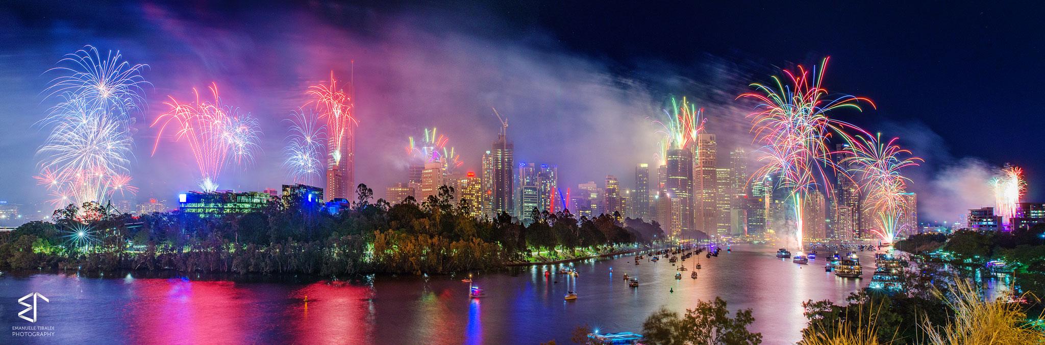 Paesaggi-Australia - Riverfire - Fuochi-d'artificio-Australia-fotografo-di-paesaggi - Fuochi-d'artificio-Australia-fotografo-di-paesaggi