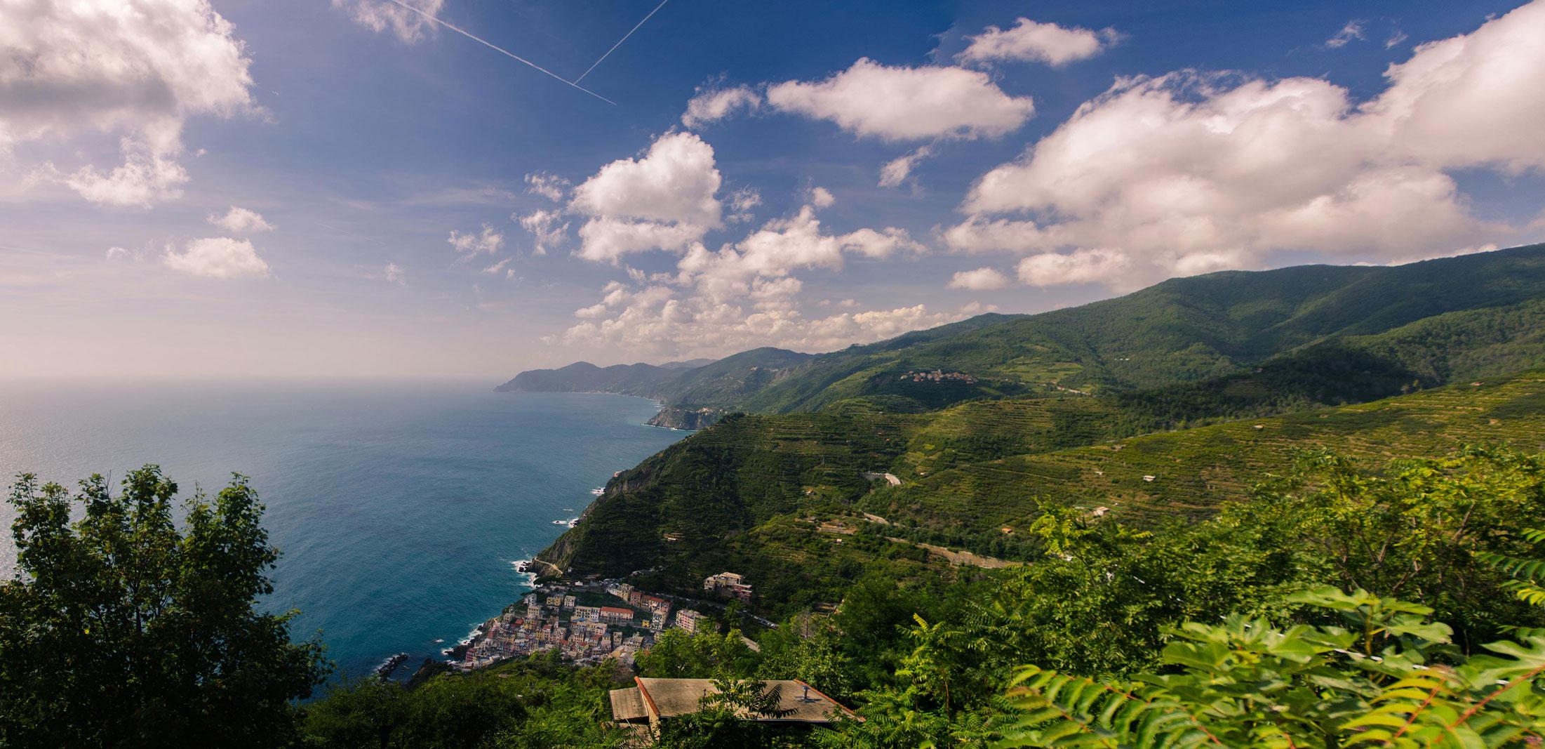 Paesaggi-Italia - Vista su Riomaggiore Cinque Terre Liguria - Vista-su-Riomaggiore-Cinque-Terre-Liguria -